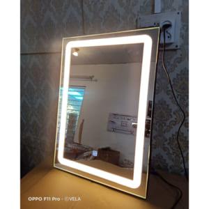 cảm ứng thiết kế trên mặt gương